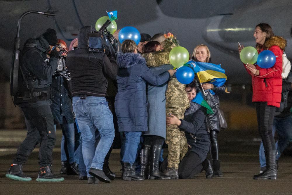 У Києві зустріли полонених із Донбасу
