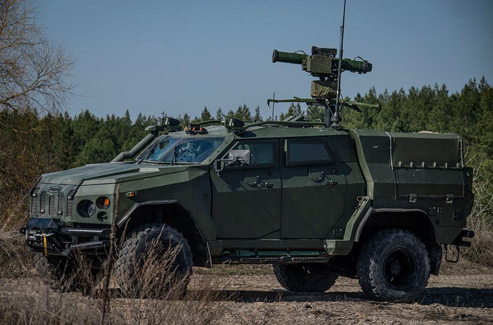 Бойові підрозділи отримують нові бронеавтомобілі