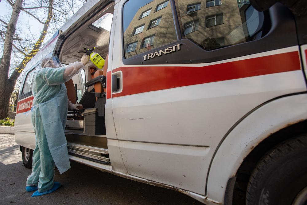 Як приймають пацієнтів з підозрою на COVID-19 у лікарнях Києва