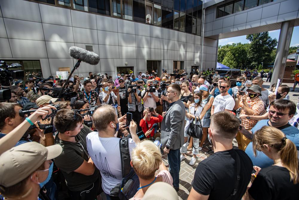 Суд залишив Стерненка під домашнім арештом