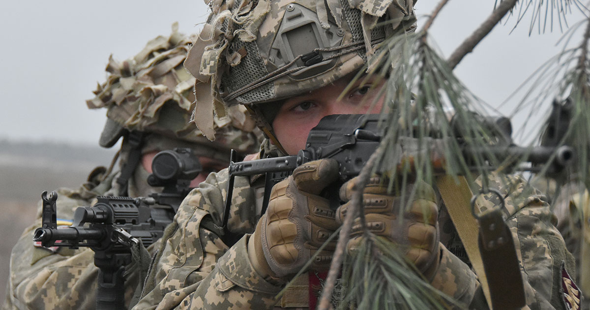 Тренування з відбиття нападу повітряного десанту умовного противника