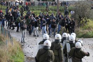 У Греції відбулися масштабні сутички місцевих жителів з поліцією