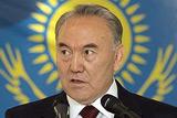 Назарбаєв репресує опозицію і переставляє чиновників