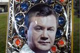Родина Януковичів у живописі, скульптурі та графіті