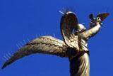 Донецького ангела перетворили на дикобраза